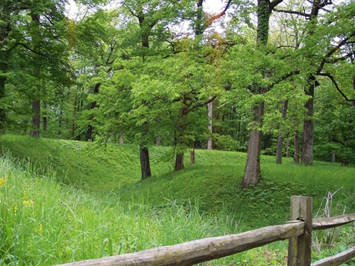 Mounds State Park, Indiana. The Anderson Mounds group.