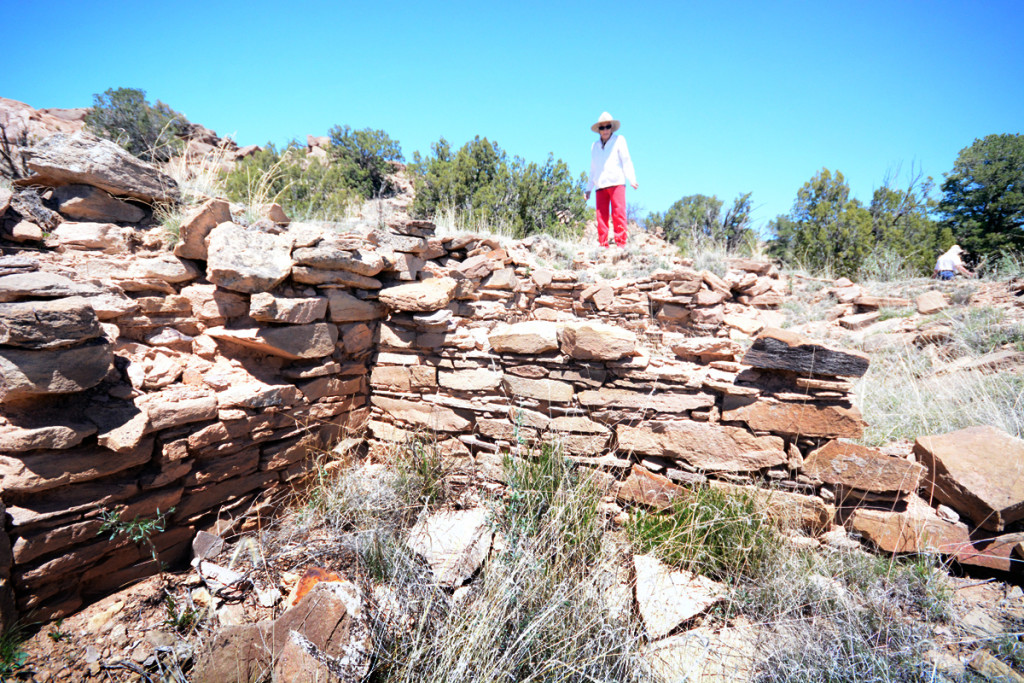 Donor Virgina Davis touring the Davis Ranch with TAC. Photo Chaz Evans/The Archaeological Conservancy.
