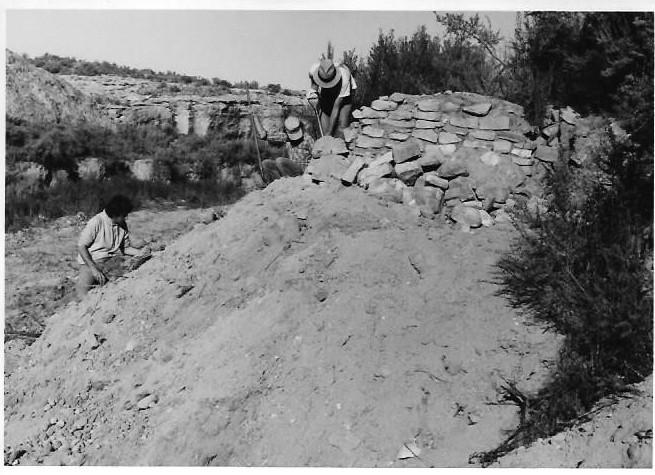 In 1986 Volunteers Work to Preserve and Protect Mud Springs Ruin.