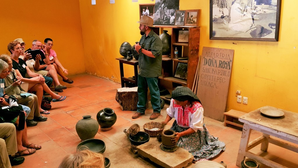 Black Pottery Demonstration, San Bartalo Coyotapec