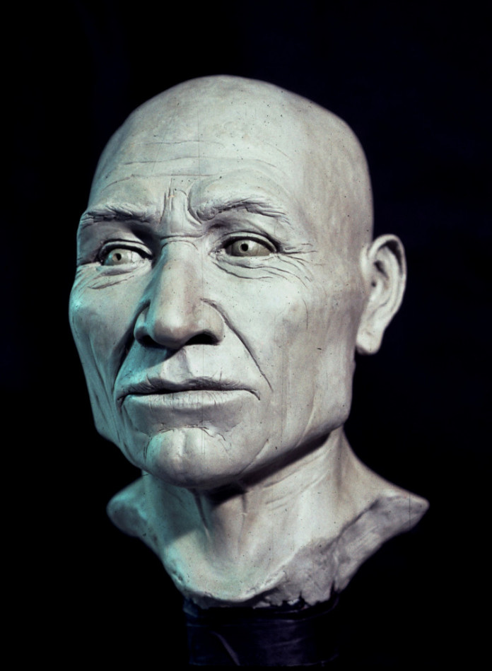 kennewick man essay New genetic evidence suggests that kennewick man, an 8,500-year-old skeleton found in washington state, is related to members of a nearby native american tribe the dna may help resolve a long-running scientific mystery, while at the same time reigniting a debate over who should have custody of the.