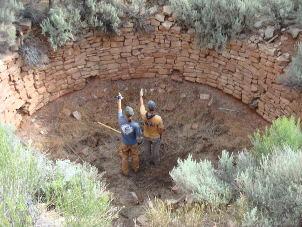 Carhart Kiva, re-excavation with Volunteers Pointing North. Photo Courtesy Erin Baxter.