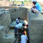 Workers excavate Rio Viejo's acropolis. Credit: Arthur Joyce
