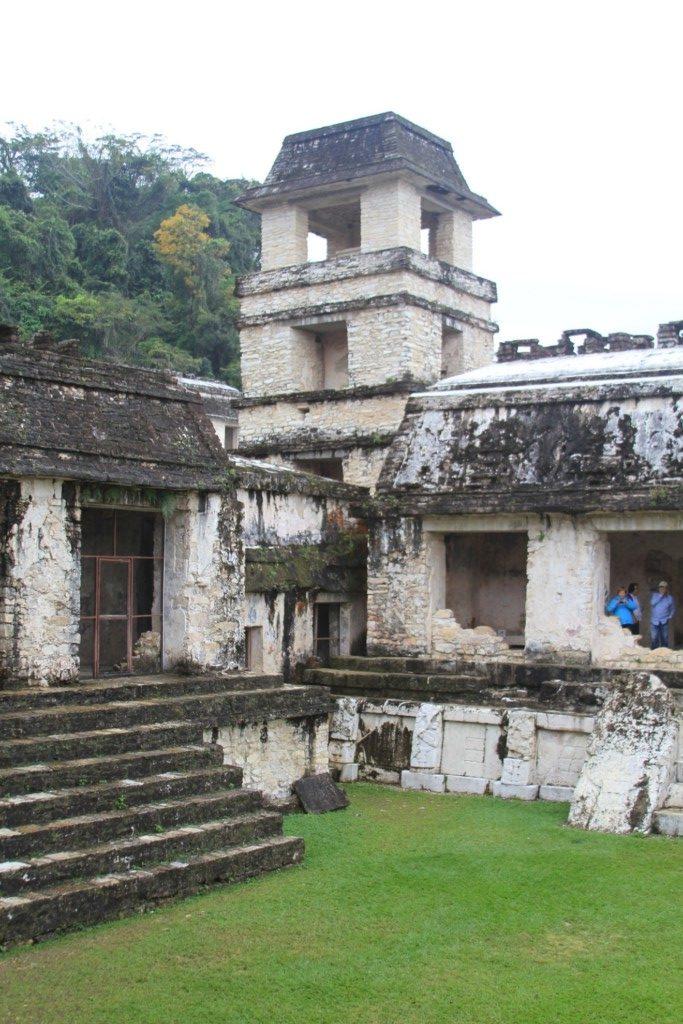 palenque-courtyard