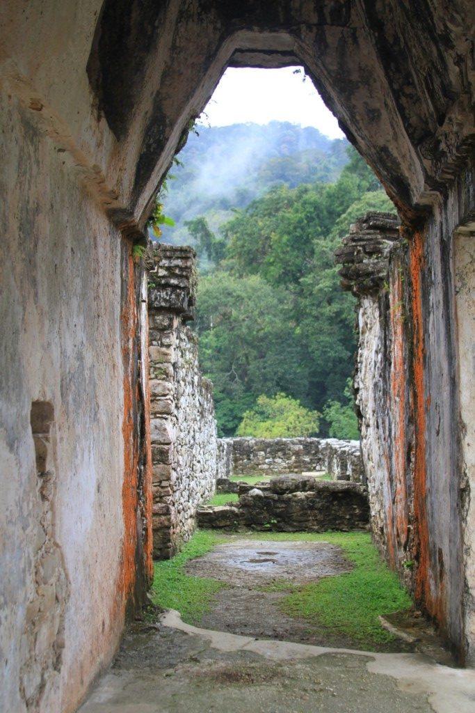 palenque-doorway