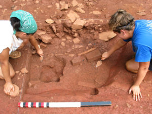 Students in the Monticello-University of Virginia archaeological field school excavate a single quadrant of fill in a subfloor pit under a slave house from the 1790s at Site 8. Credit: Thomas Jefferson Foundation.