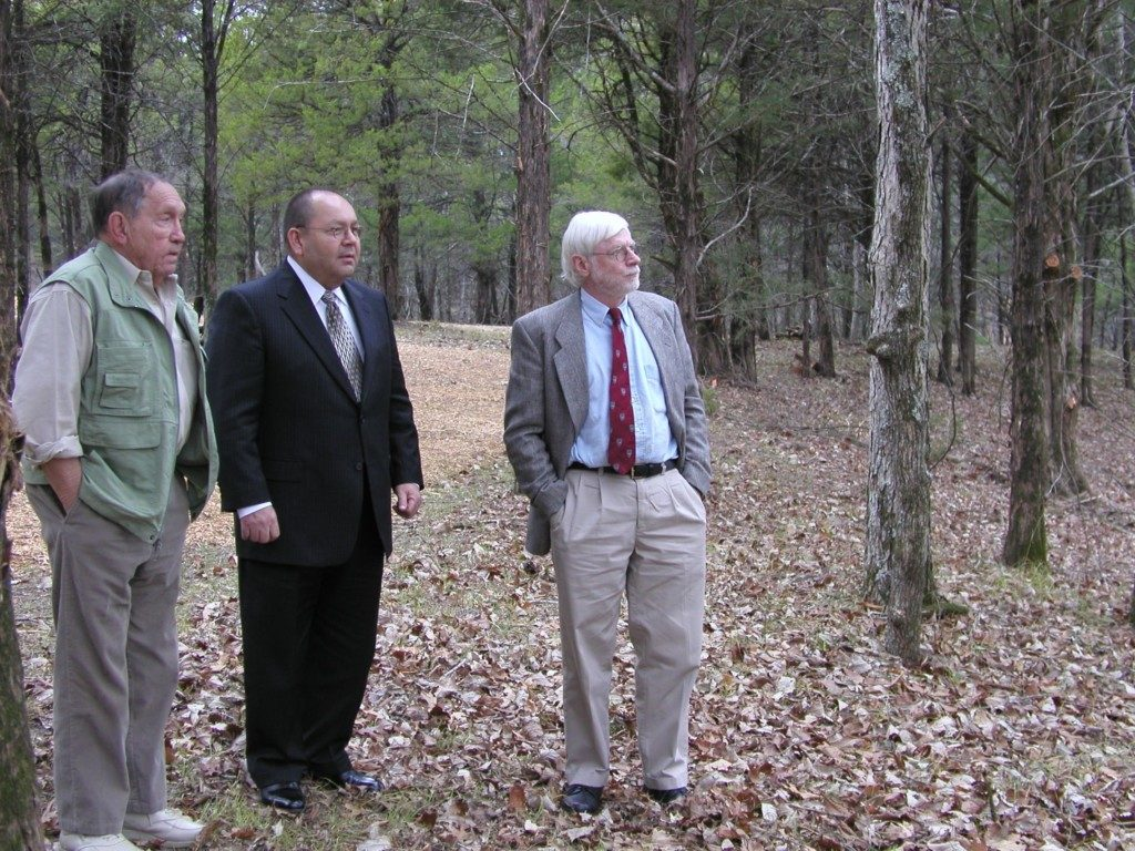 Site Visit to Chisha'talla' to John Ray Beasley, Governor Bill Anoatubby and Richard Green