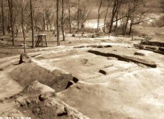 This picture shows a platform mound that was uncovered by excavators with the Works Progress Administration in the late 1930s. That project uncovered evidence of a single palisade surrounding a Mississippian village. Recent investigations have revealed evidence of several more palisades, suggesting that the villagers could have felt threatened. Photo BY CHARLES H. NASH, 1938. WPA/TVA ARCHIVES, PRESENTED COURTESY OF MCCLUNG MUSEUM OF NATURAL HISTORY AND CULTURE, THE UNIVERSITY OF TENNESSEE, KNOXVILLE. 120MG31/FHM01233.