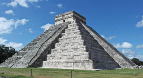 WEB El-Castillo-at-Chich--n-Itz---
